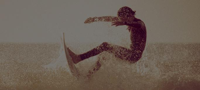 Affronter les vagues de l'océan